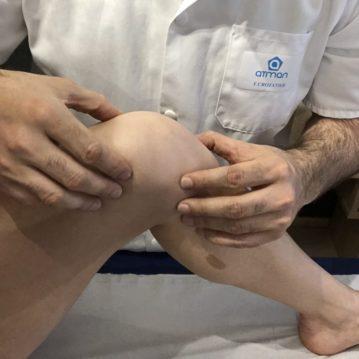 Ostéopathe, manipulation du genou